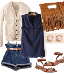 summer_blueblouse_tribalsandals2