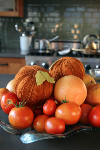 Yarn Pumpkins | PepperDesignBlog.com