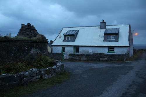 ireland_inismaien_cottage