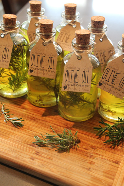 Handmade Gifts: Rosemary Infused Olive Oil - Pepper Design Blog