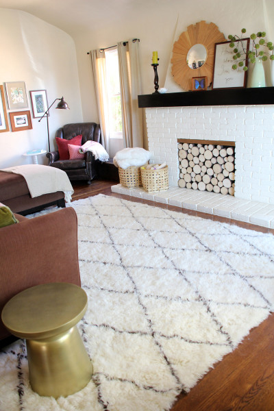 living room update: a new moroccan shag rug - pepper design blog