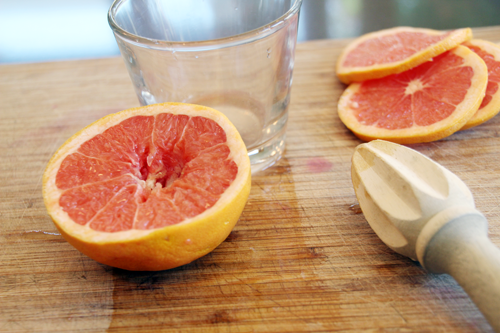 A Good Morning! Grapefruit & Champagne Cocktail | PepperDesignBlog.com