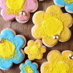 Flower & Bumblebee Sugar Cookies – The Icing (Part 2)