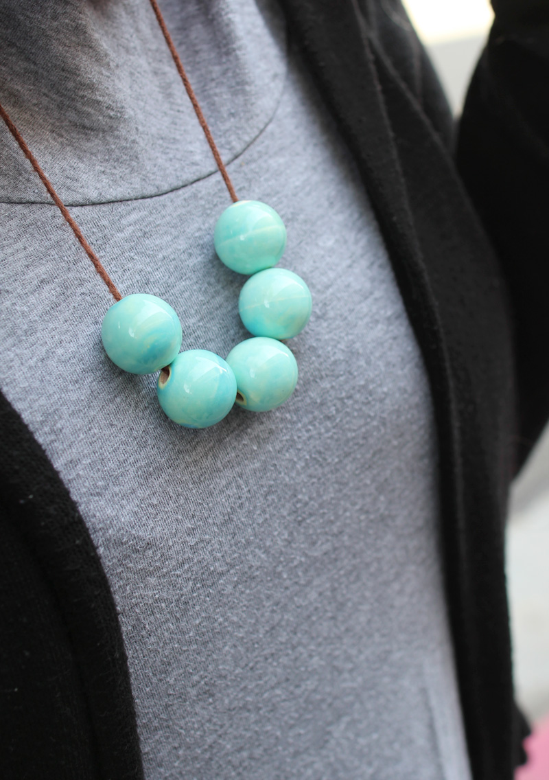 Handmade Gifts: DIY Giant Beaded Necklaces | PepperDesignBlog.com