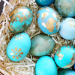 Dying Easter Eggs | Gold Foil | PepperDesignBlog.com